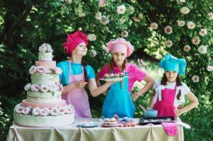 Kochen und Backen in der Kinderspielküche